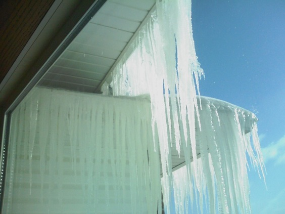 6 steps on how to protect your roof and stop roof leaks for Roof leaking in winter